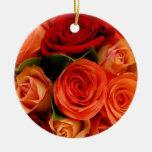 Ramo de los rosas de Swirly Ornamento De Navidad