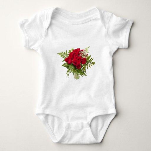 Ramo de rosas rojos playeras