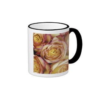 Ramo de rosas tazas