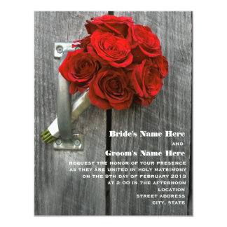 """Ramo del rosa rojo y boda de Barnwood Invitación 4.25"""" X 5.5"""""""