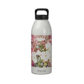 Ramo en la colección clara del florero botella de agua