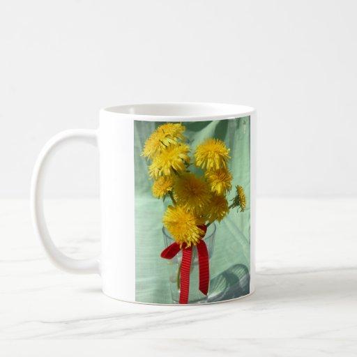 Ramo feliz del diente de león del día de madre taza de café
