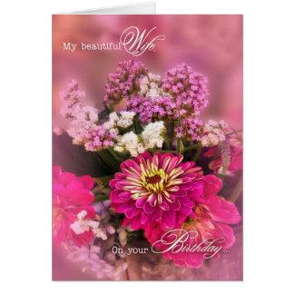 Ramo femenino del cumpleaños el | de la esposa en tarjeta de felicitación