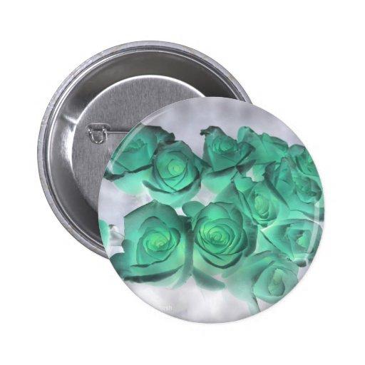 Ramo que frecuenta de rosas teñidos verdes pin redondo 5 cm