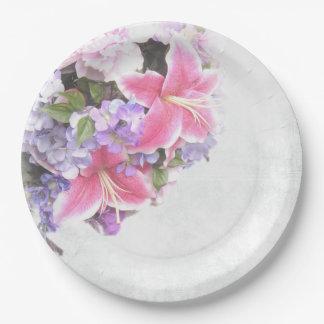Ramo rosado del lirio platos de papel