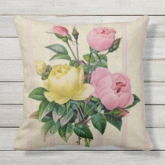 Ramo rosado floral retro antiguo femenino de la cojín