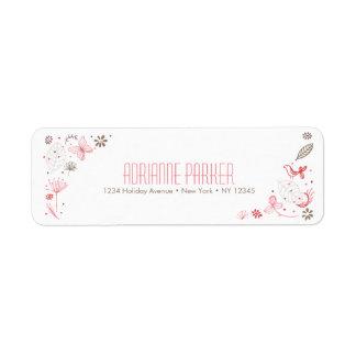 Ramo rosado suavemente floreciente de la etiqueta de remitente