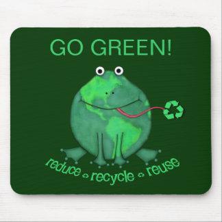 Rana ambiental del Día de la Tierra Alfombrillas De Ratones