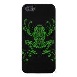 Rana arbórea verde compleja en negro iPhone 5 protectores