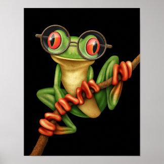 Rana arbórea verde linda con los vidrios del ojo e impresiones