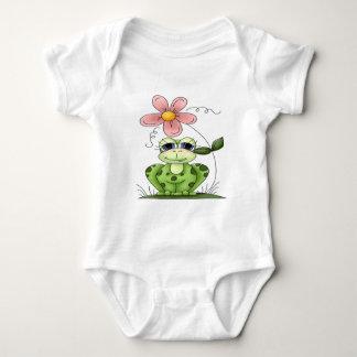 Rana con la flor t-shirts