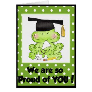 Rana de la graduación somos orgullosos de usted ta tarjeta de felicitación
