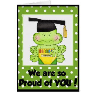 Rana de la graduación somos orgullosos usted la tarjeta de felicitación