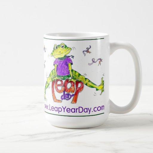 Rana del día de salto tazas de café