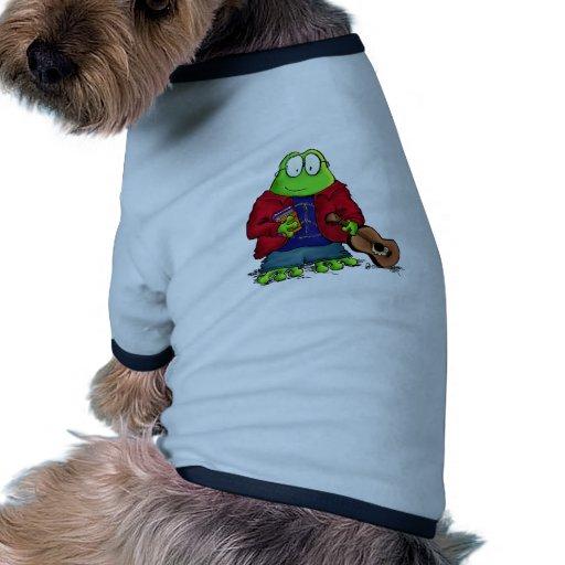 Rana del empollón del estudiante universitario camisas de perritos