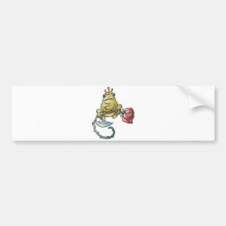 rana del príncipe con el rosa etiqueta de parachoque