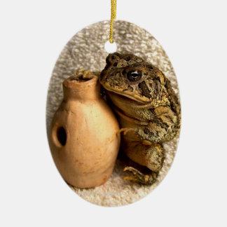 Rana del sapo que sostiene la fotografía miniatura ornamento para reyes magos