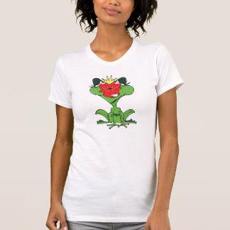 rana dulce con corona y boca de beso camisetas
