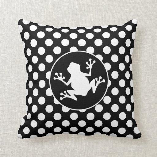 Rana en lunares blancos y negros almohadas