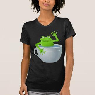 Rana inesperada divertida en mi taza de té camiseta