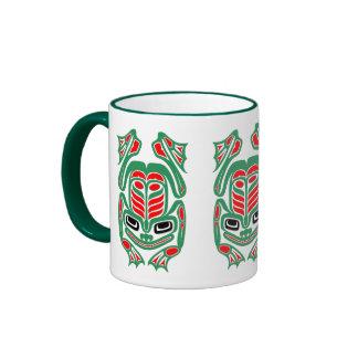 Rana roja y verde del arte nativo del Haida Taza De Dos Colores