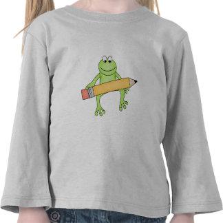 Rana verde con las camisetas y los regalos del láp