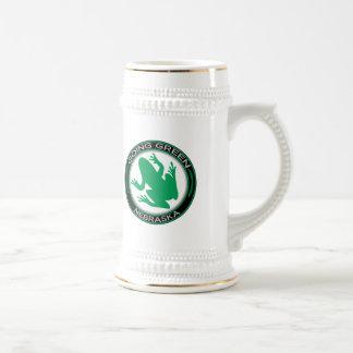 Rana verde de Nebraska que va Jarra De Cerveza