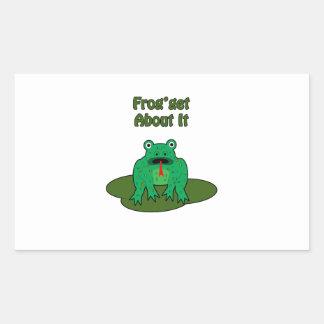 Rana verde - la rana consigue sobre ella rectangular pegatina