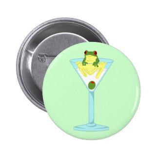 Rana y aceituna en el vidrio de Martini Pin Redondo De 2 Pulgadas