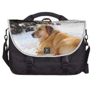 Rancho bonito Snowscape del perro del golden retri Bolsa De Ordenador