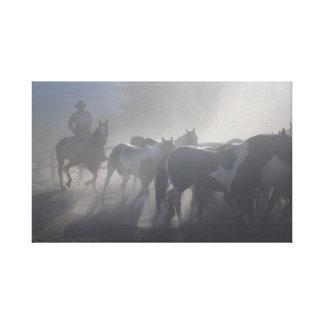 Rancho occidental de los caballos de los vaqueros impresión en lona estirada