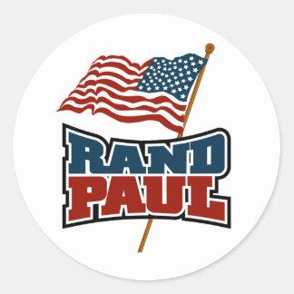 Rand Paul que agita la bandera americana Pegatina Redonda
