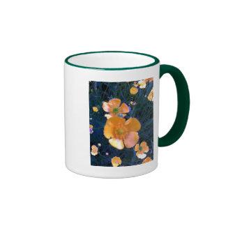 Ranúnculos hermosos taza de café