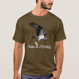 Rapaz de Osprey del vuelo estaría pescando Playera