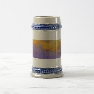 Rapsodia floral en púrpura y amarillo taza de café