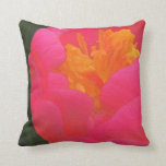 Rapsodia floral en rojo y amarillo almohada