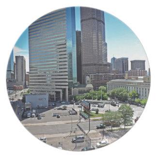 Rascacielos céntricos de Denver Colorado Platos