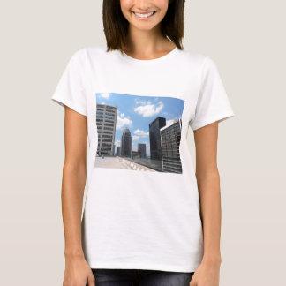 Rascacielos céntricos de Louisville Playera