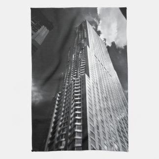 Rascacielos de New York City en blanco y negro Toallas De Mano
