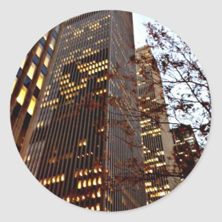 Rascacielos de Nueva York en la oscuridad Pegatina Redonda