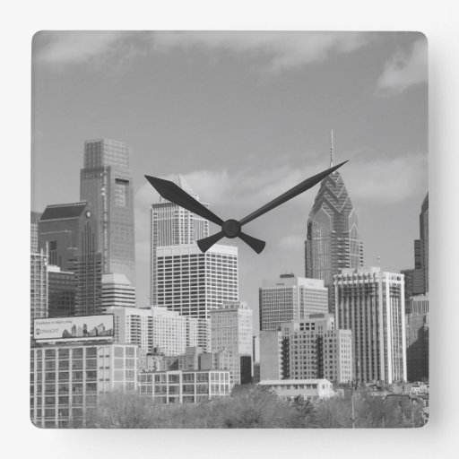 Rascacielos de Philly blancos y negros Reloj Cuadrado