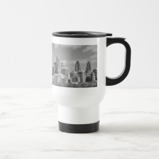 Rascacielos de Philly blancos y negros Taza Térmica