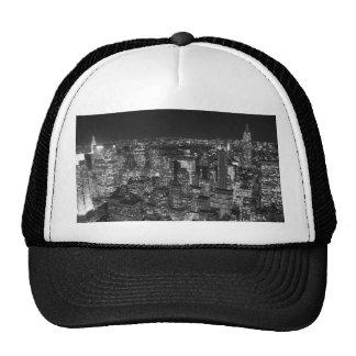 Rascacielos negros y blancos de Nueva York Gorra