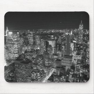 Rascacielos negros y blancos de Nueva York Mousepads