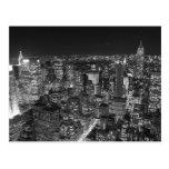 Rascacielos negros y blancos de Nueva York Postal
