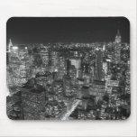 Rascacielos negros y blancos de Nueva York Alfombrilla De Ratón