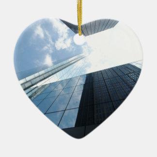 Rascacielos reflectores adorno de cerámica en forma de corazón