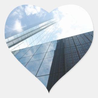 Rascacielos reflectores pegatina en forma de corazón