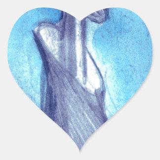Rasgado por el cielo azul pegatina en forma de corazón