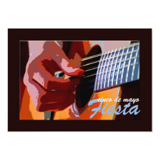 Rasguear la invitación de la guitarra